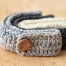 Girls Crochet Headband - for babies or girls in Cream